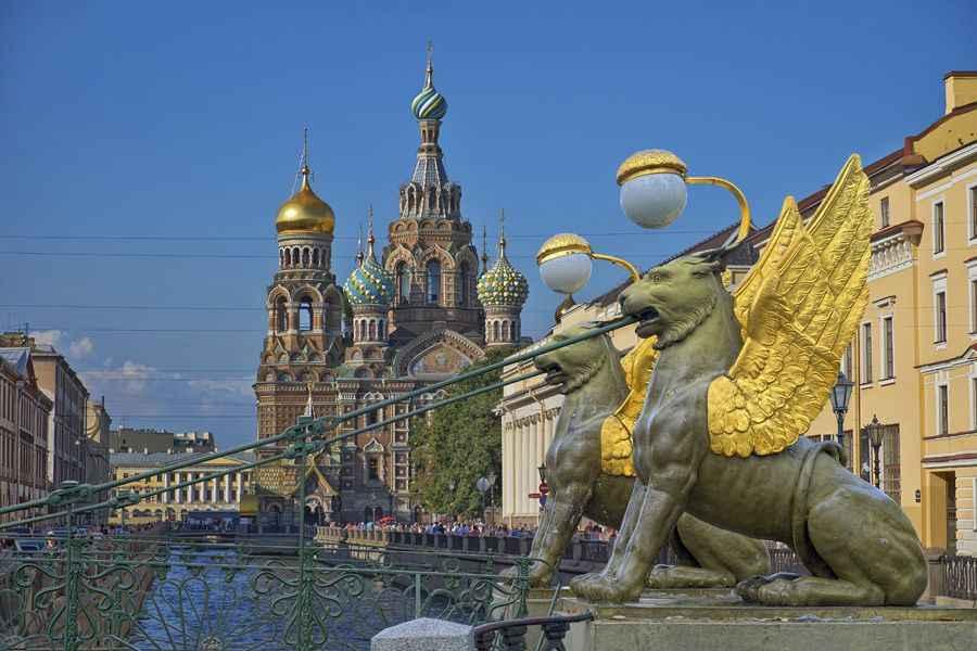 Church-Spilt-Blood-and-bridge-St-Petersburg