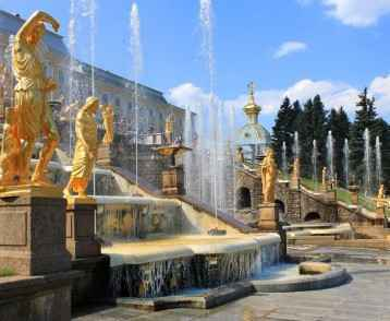 Grand-cascade-Peterhof-Palace-St-Petersburg