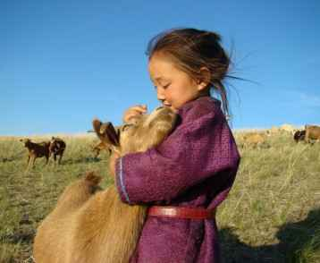 Mongolian-child-and-goat-2