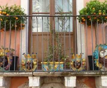 balcony-in-taormina-sicily
