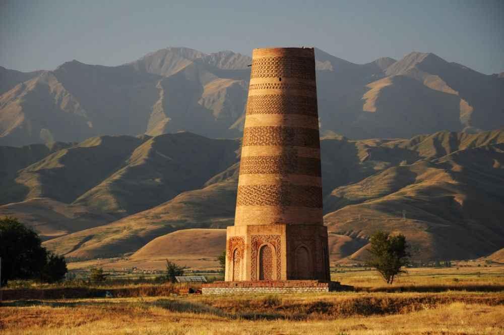 burana-minaret-at-balasagyn-kyrgyzstan