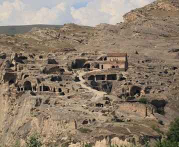 cave-city-uplistsikhe-georgia
