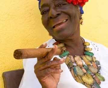 cigar-lady-havana