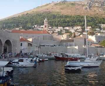 croaita-old-town-dubrovnik-harbour