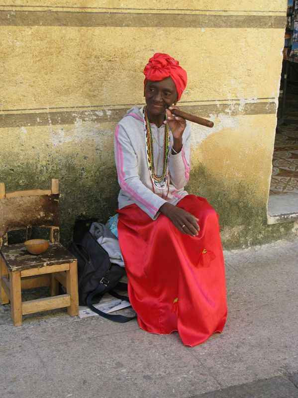 cuba-woman-cigar