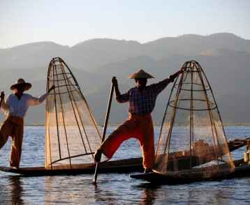 fishermen-at-inle-lake