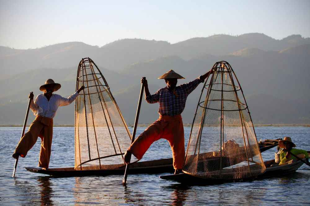fishermen-at-inle-lake