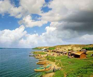 fishermen-at-the-kazinga-channel-uganda