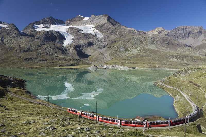 glacier-express-lake