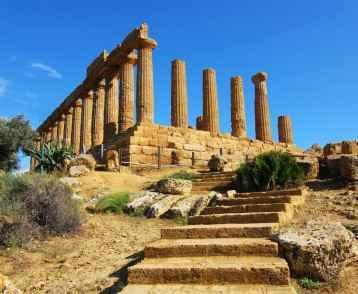 greek-temple-at-agrigento-sicily