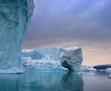 icebergs-greenland