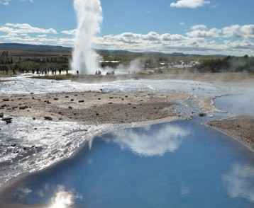 iceland-geysers