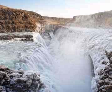iceland-waterfall2