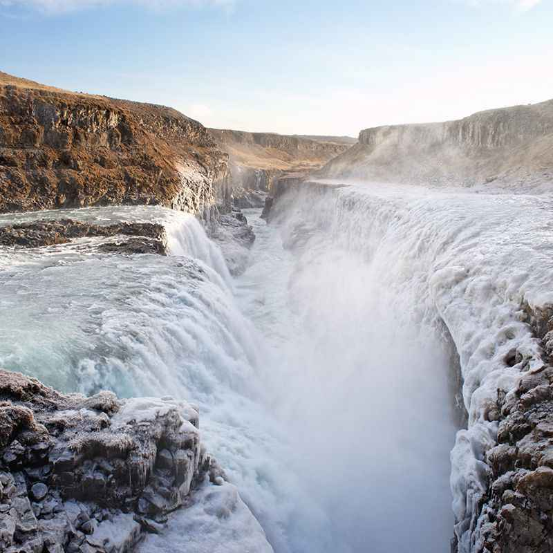 iceland-waterfall2