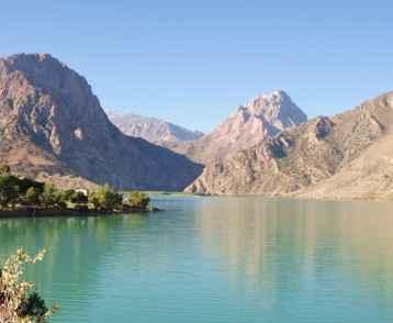iskanderkul-lake-tajikistan