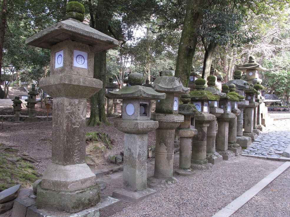 lanterns-at-nara