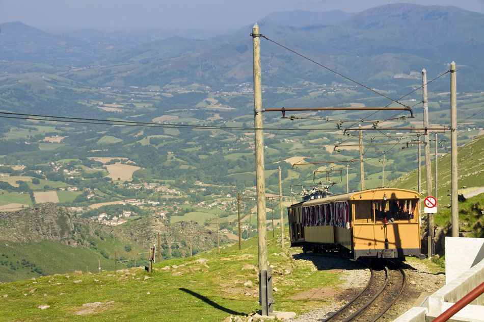little-yellow-train-pyrenees