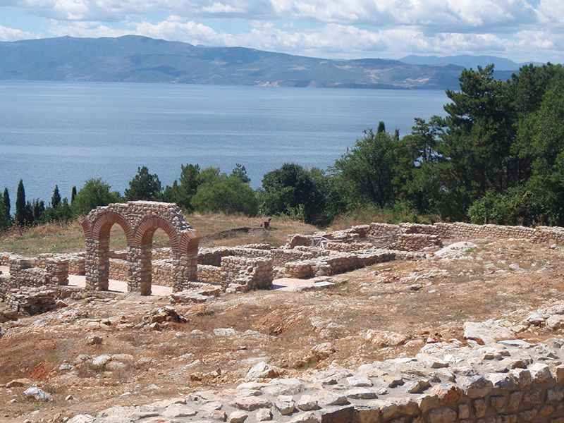 macedonia-sveti-jovan-church-grounds-lake-ohrid