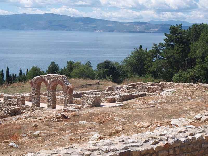 macedonia-sveti-jovan-church-grounds-lake-ohrid