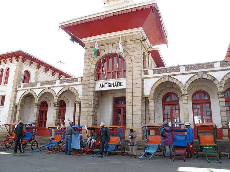 madagascar-rickshaws-at-antsirabe