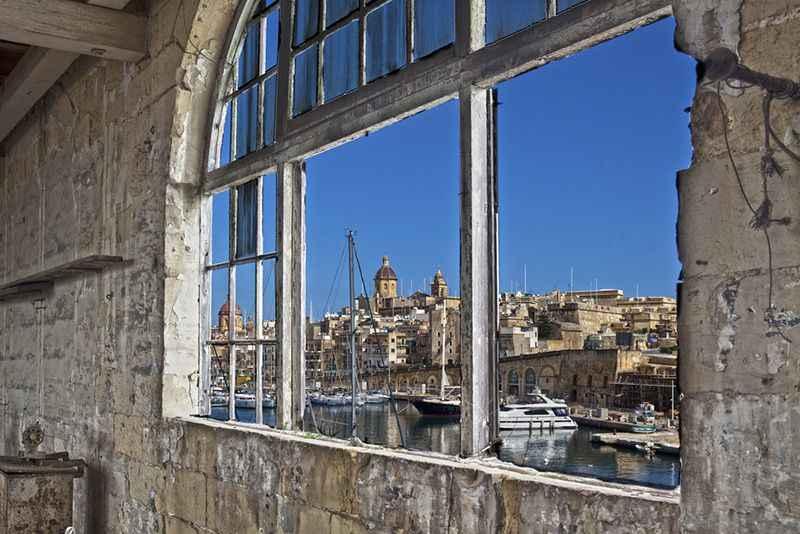 malta-view-from-window-of-vittoriosa