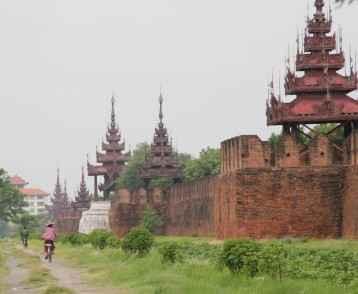 mandalay-city-walls