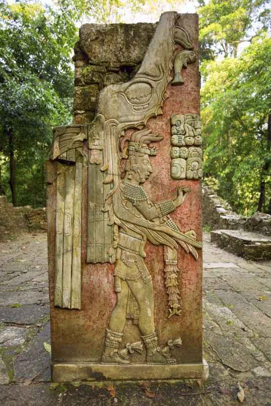 mayan-carving-at-palenque