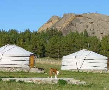 mongolia-dugana-gers