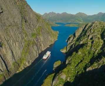 MS Nordkapp i Trollfjorden
