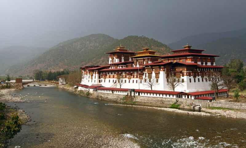 punakha-monastery-bhutan