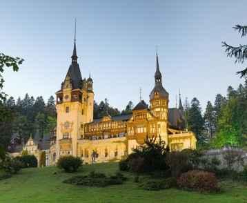 romania-peles-castle-lit