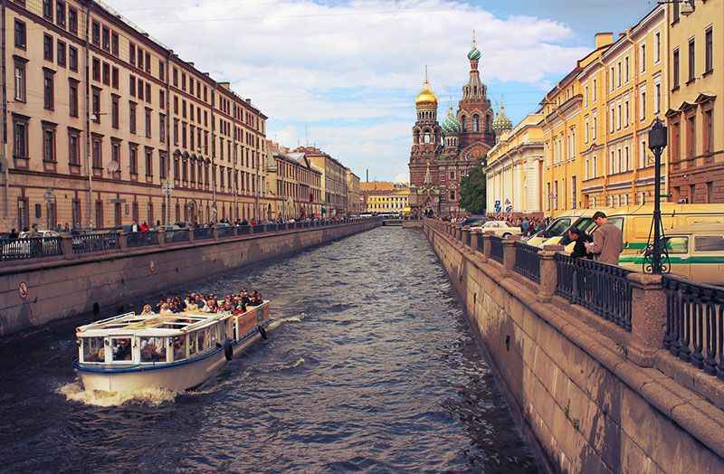 russia-st-petersburg-canal