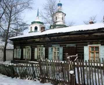 russia-wooden-house-irkutsk
