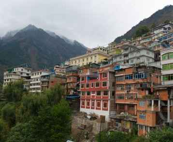 the-border-town-of-zhangmu-tibet