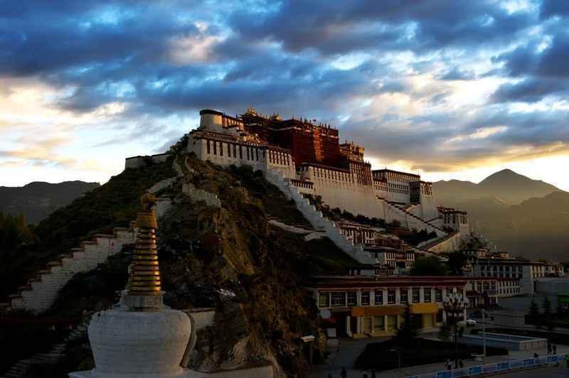 the-potala-palace-lhasa