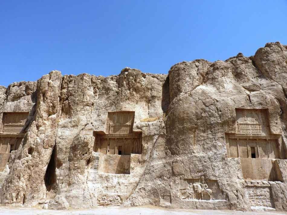 tombs-of-the-kings-naqsh-i-rustam