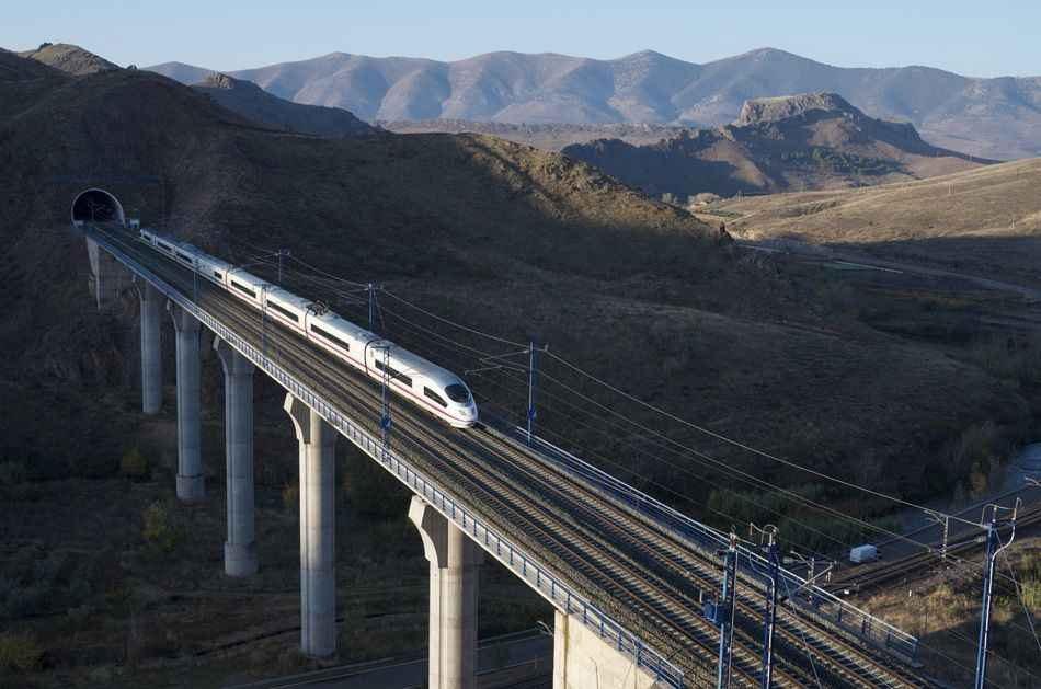 train-at-zaragosa