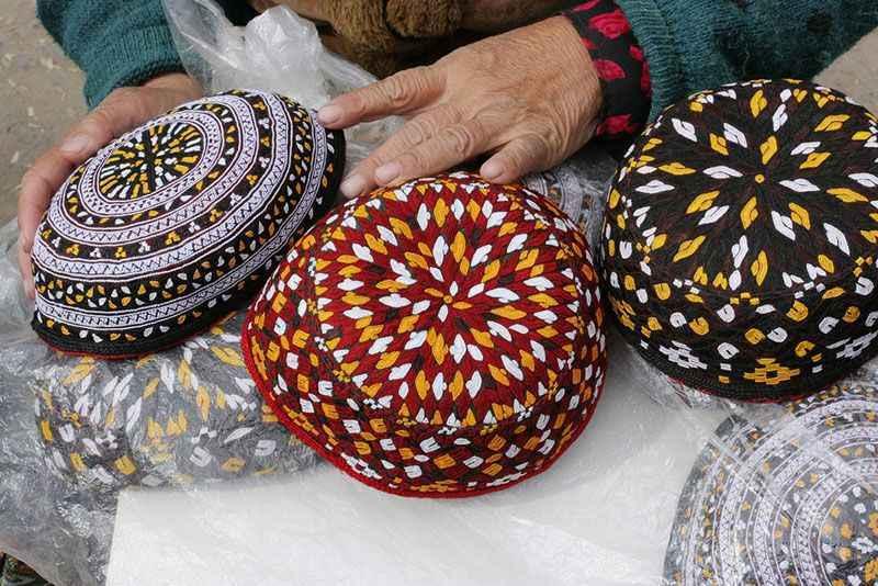 turkmenistan-hats-at-market-ashgabat