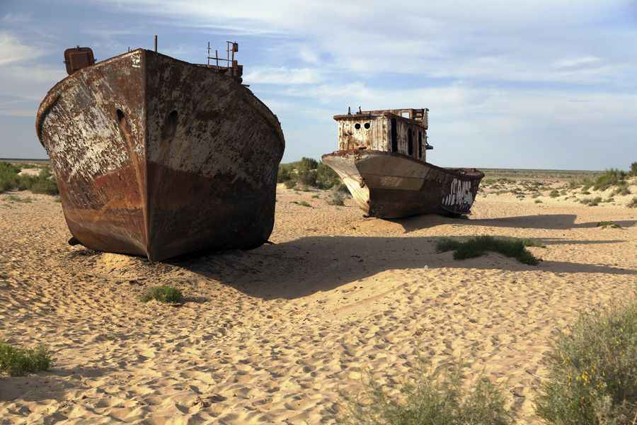 Aral sea ships 2