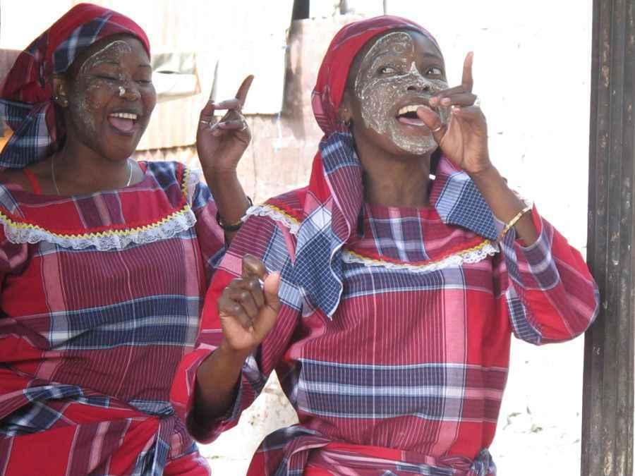 Mozambique - Tufo Dancers