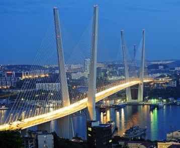 russiatrek-zolotoy-rog-bay-bridge-vladivostok-russia-1