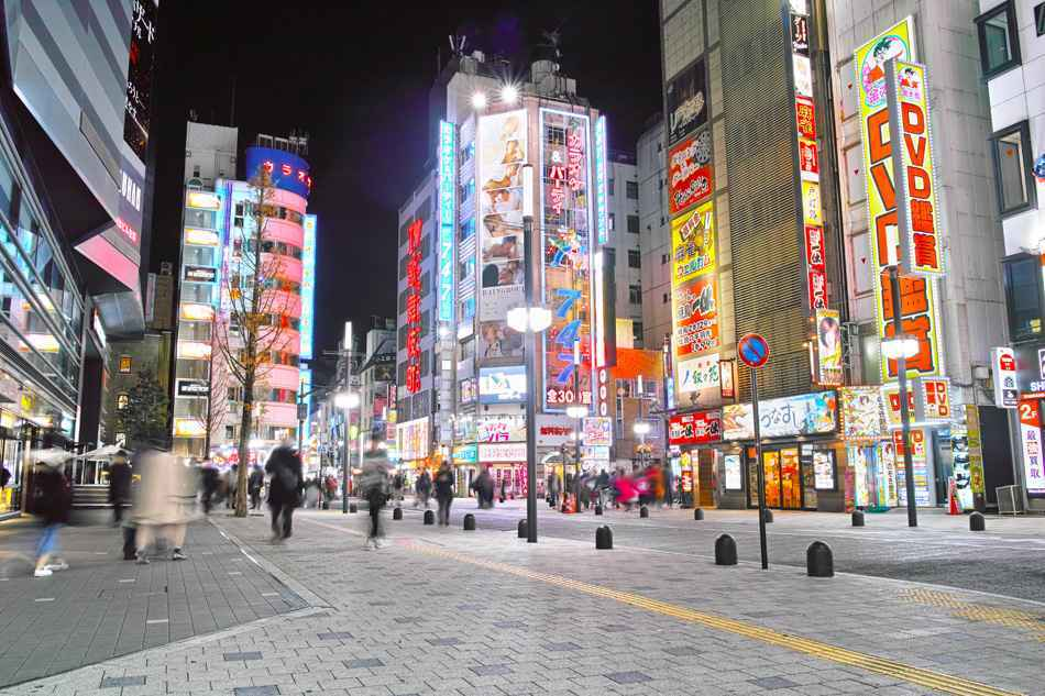 Shinjuku Kabukicho at night (Nakamise-dori)