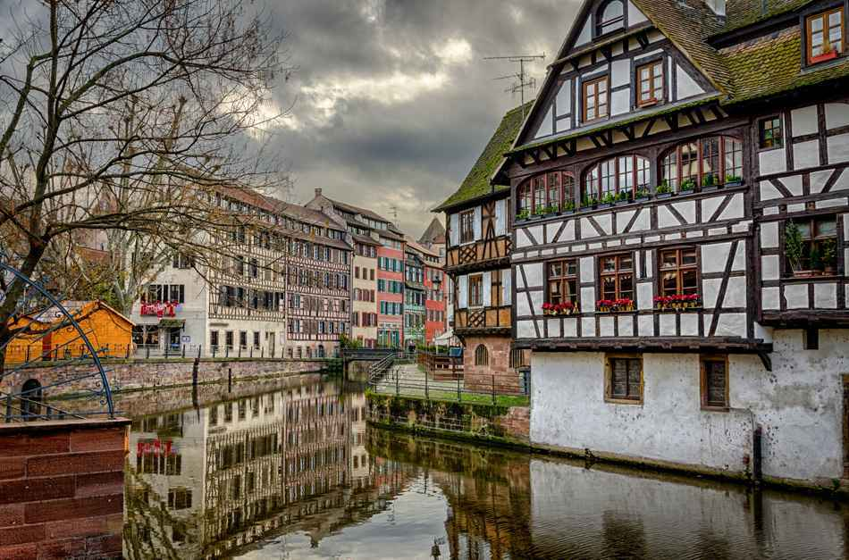 Visit card of Strasbourg Petite France in winter