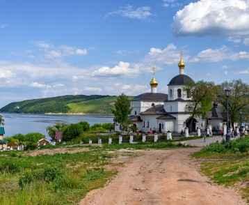 Sviyazhsk Island near Kazan-web