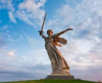 motherland_calls_statue_volgograd-web