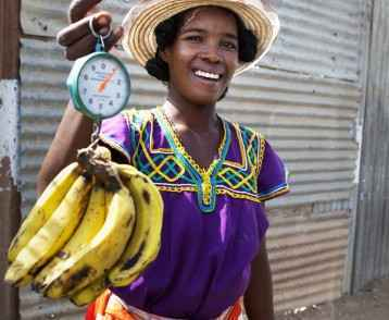 Lady with bananas, madagascar