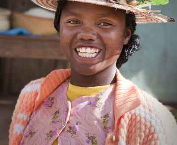 Portrait Young girl in hat-Madagascar