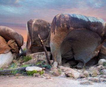 Hippo's Yawn, little rock near Wave Rock, Australia